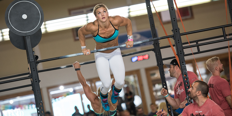 Brooke-Ence-bar-muscle-up-800x400