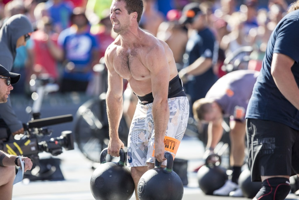 2015-crossfit-games-ben-smith-kettlebell